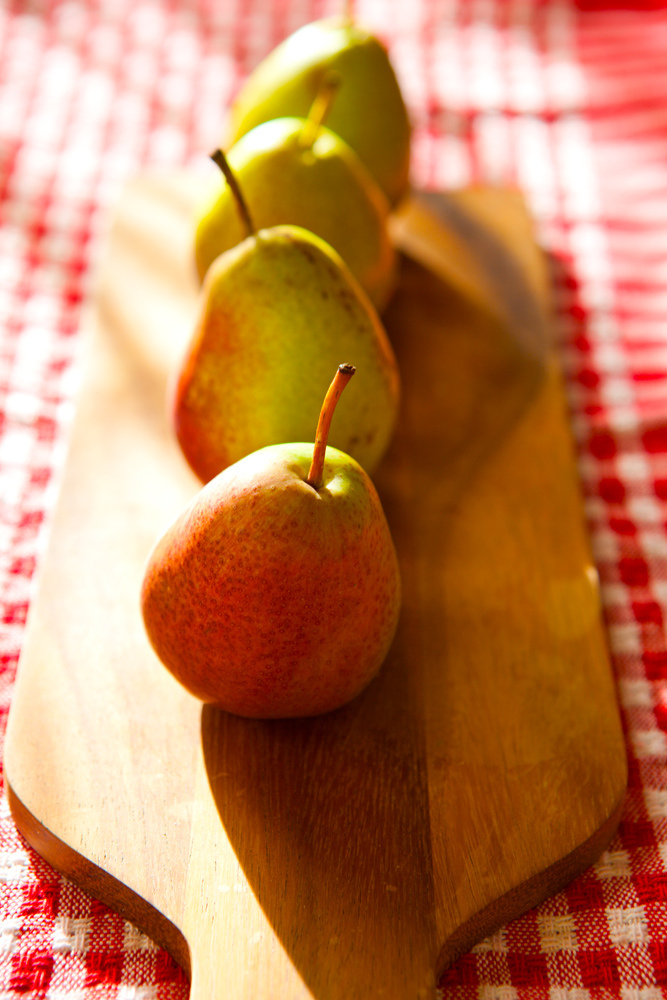 Poached Pears with Vanilla Bean, Ginger & Macadamia Maple Cream (GF, V)