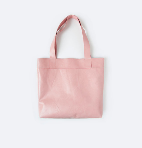Why not carry a pink tote?  Perfect everyday Summer bag.