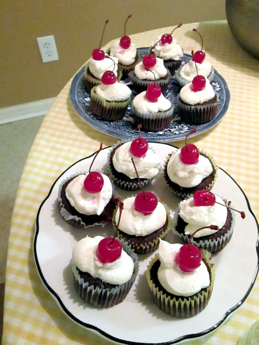 paperswalloweventscupcakes
