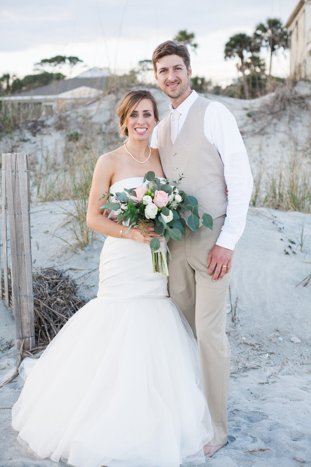 An intimate beach house wedding on Folly Beach, South Carolina | Paper Swallow Events