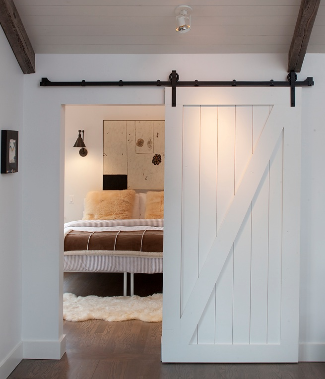 -via workingdesigncollections.blogspot.com (fun way to close off a small, neutral bedroom)