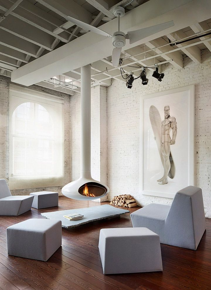 -via Eventus / Holy funky town!  I kind of love how it just floats there.  Not sure I want to perch on that furniture very long, however.  The artwork is startling, but kind of amazing.