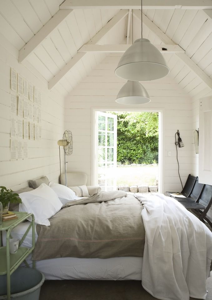 -via myscandinavianhome.blogspot.com / Sometimes nothing looks better than having it all painted bright white.