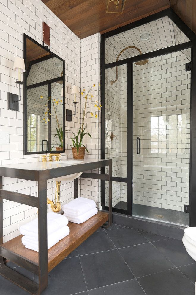-via decorology.blogspot.comn/ This bathroom rocks, in large part because of the ceiling.