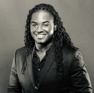 Darrius Hawkins     Darrius's approach to artistry is always refined and original.  His precision, versatility and attention to flawless detail makes every client look and feel flawless. It is easy to see why clients love Darrius - with his joy for the craft and genuinely kind spirit, he leaves every client happier and more beautiful than when he came.  IG: DarriusD