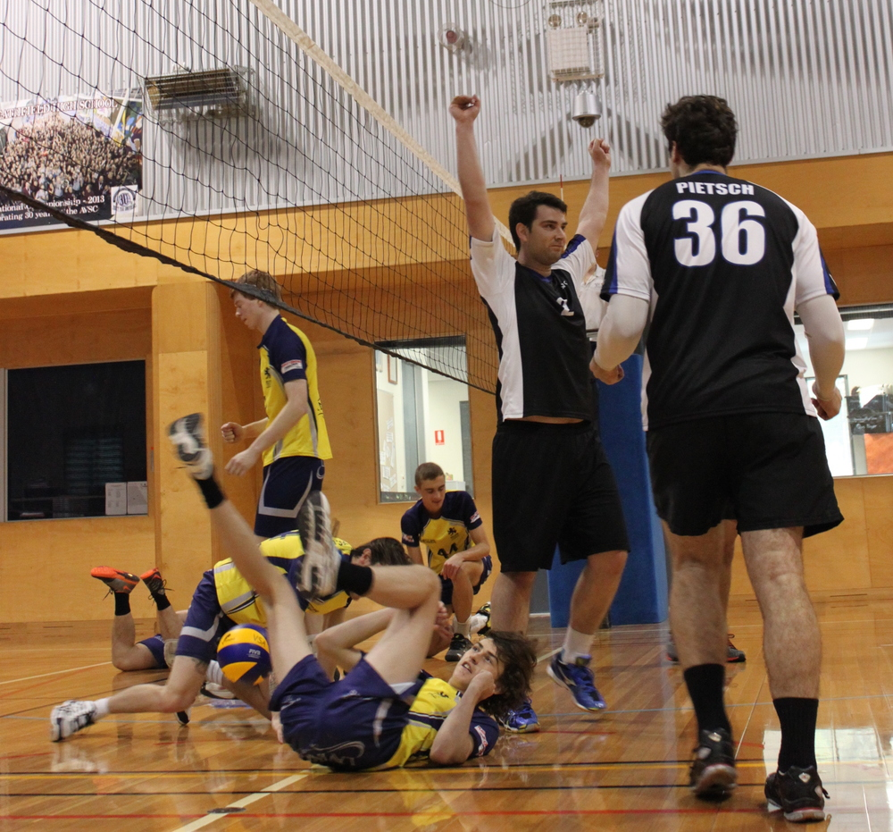 The AUVC Reserve Men defeat USC Lion in a hard-fought five sets!