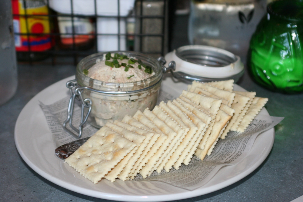 Smoked Fish Spread with Saltines