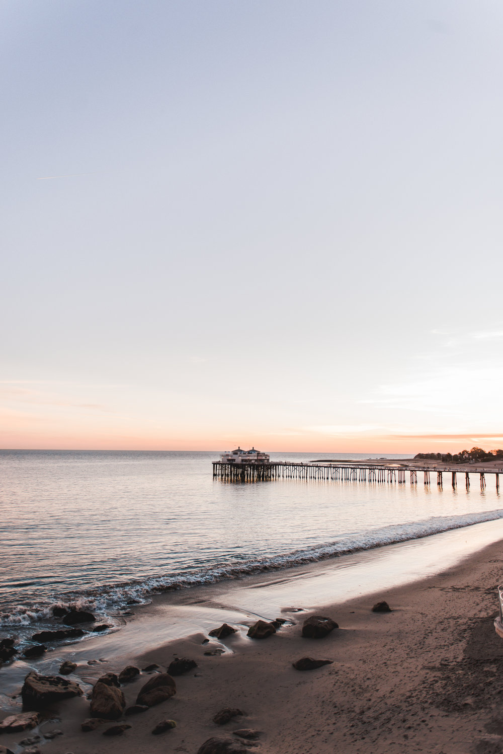 Malibu-Beach-Inn-By-Lisa-Linh