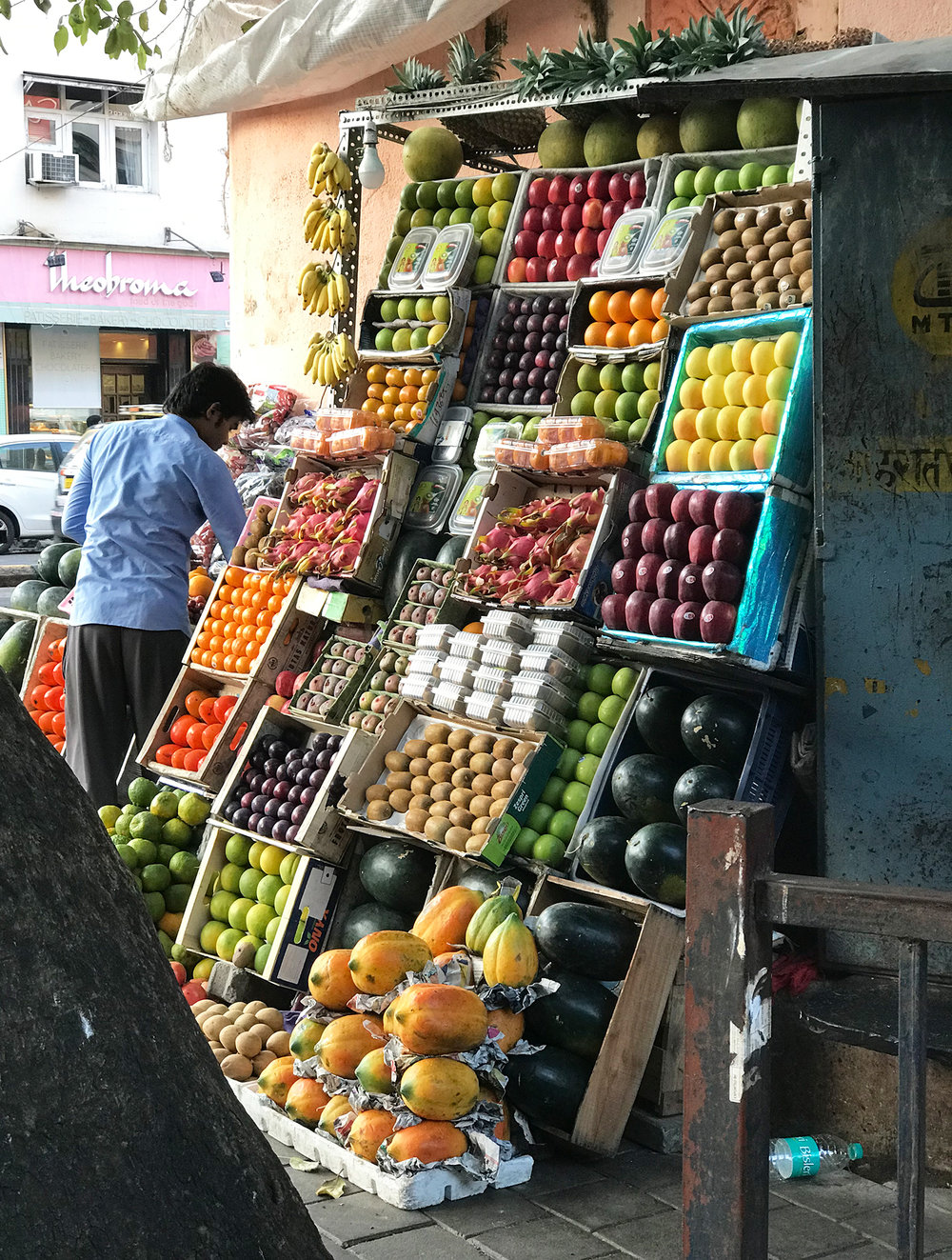 Vertical vegetables market