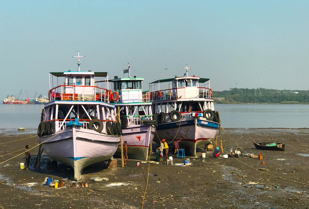 Restoration of tourist boats.