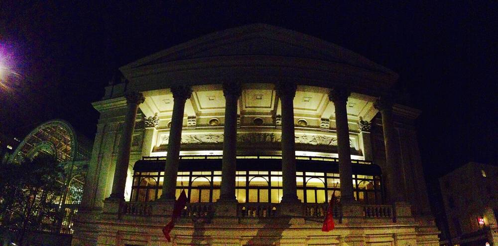 iPhone 拍摄的皇家歌剧院