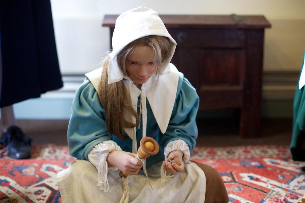 Oliver Cromwell 故居,面目恐怖的女佣蜡像。