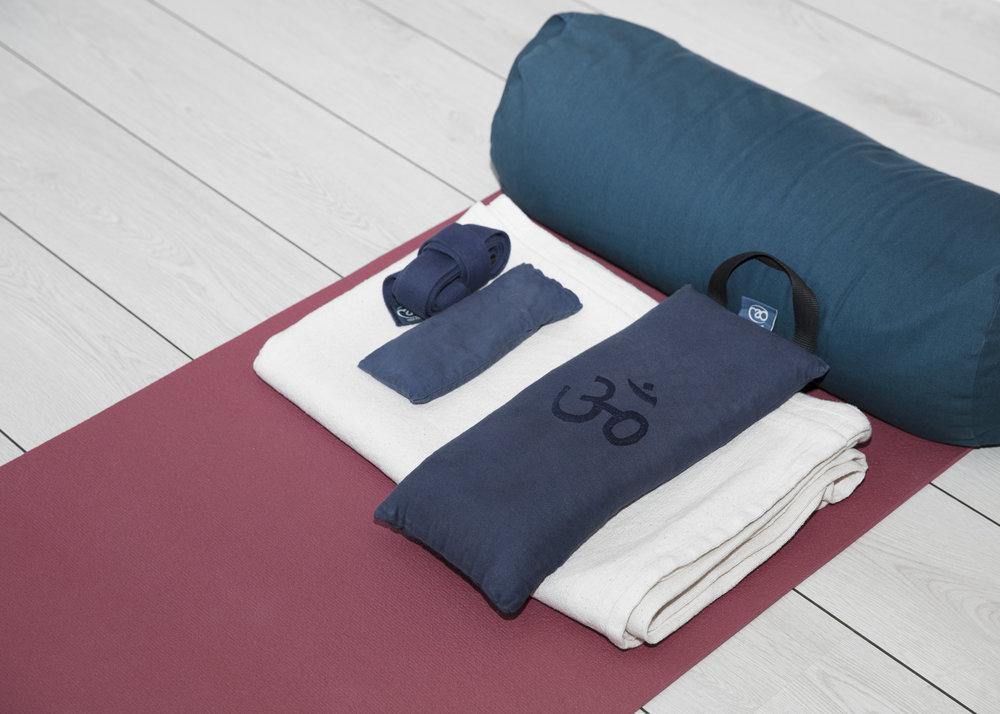 Onsdag kl. 17 - 18.30 Restorativ yoga med Annette er ren wellness med tæpper og puder ad libitum