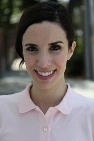 Erika Schwartz UC Berkeley (BA) Works with students via Skype, email, and GoogleDocs.