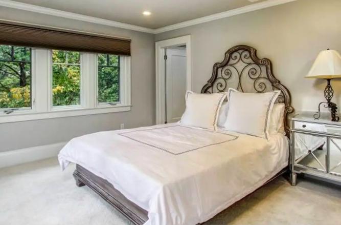 Single Room: $125/nt