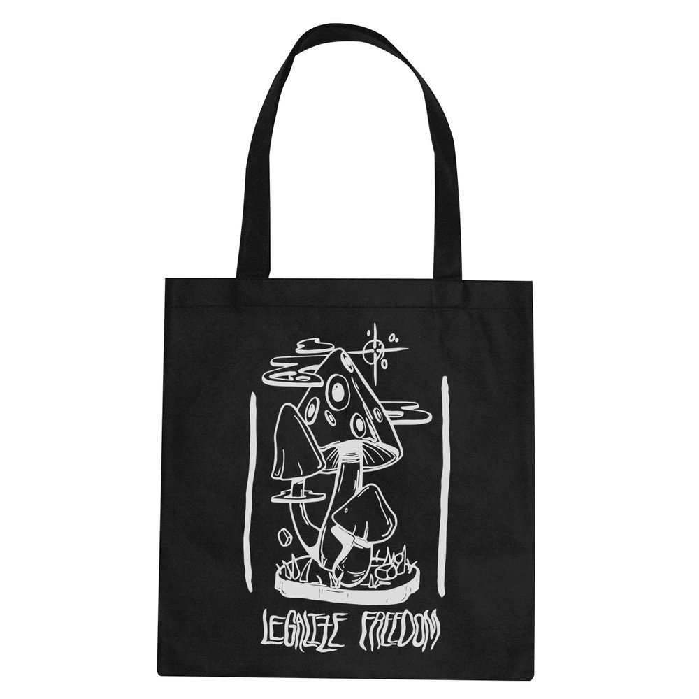 Legalize Freedom tote bag  €14.99 Available in black