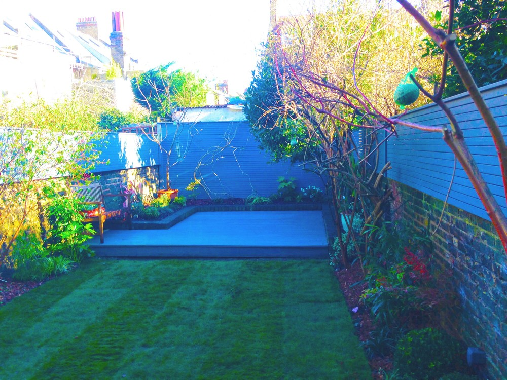 Turf, decking, batten fence, kilburn.jpg