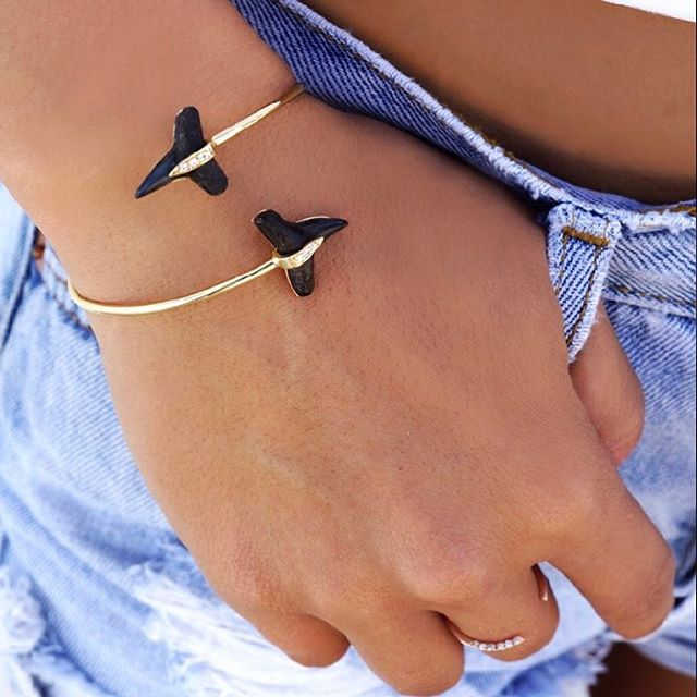Saturday's call for denim shorts and shark tooth bracelets #AJJ