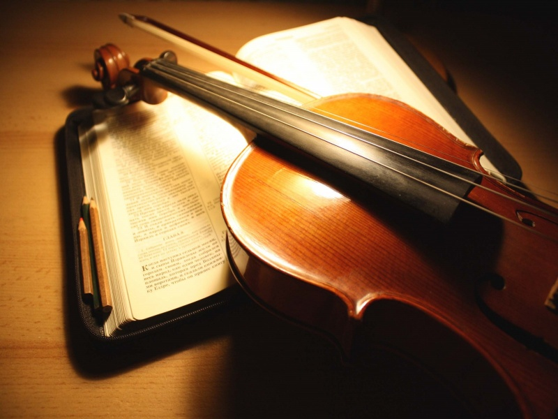 21729-violin-on-music-sheets-1280x800-music-wallpaper.jpg