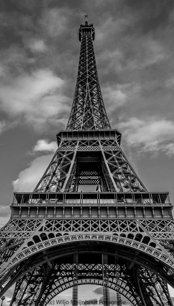 Eiffel Tower Paris Wiljo Meijnhout.jpg