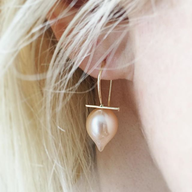 Peachy pink and perfectly pretty pointy pearls! 🍑 Out the door this morning for a lucky girl in Palo Alto!