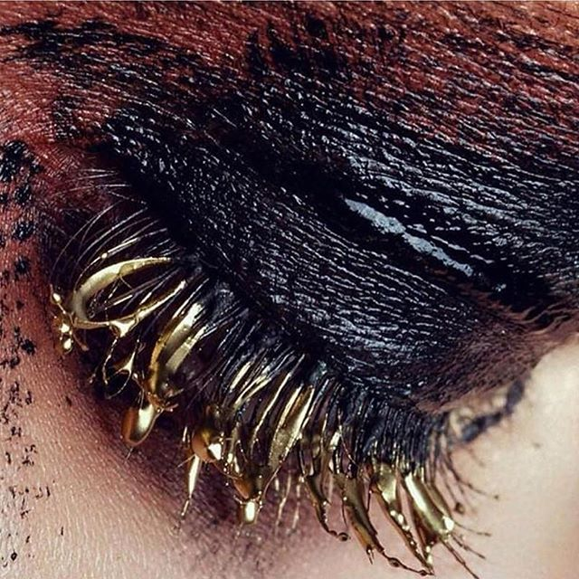 TAMLIN's dream eye look! #Repost @kabiri_online ・・・ Gold lashes