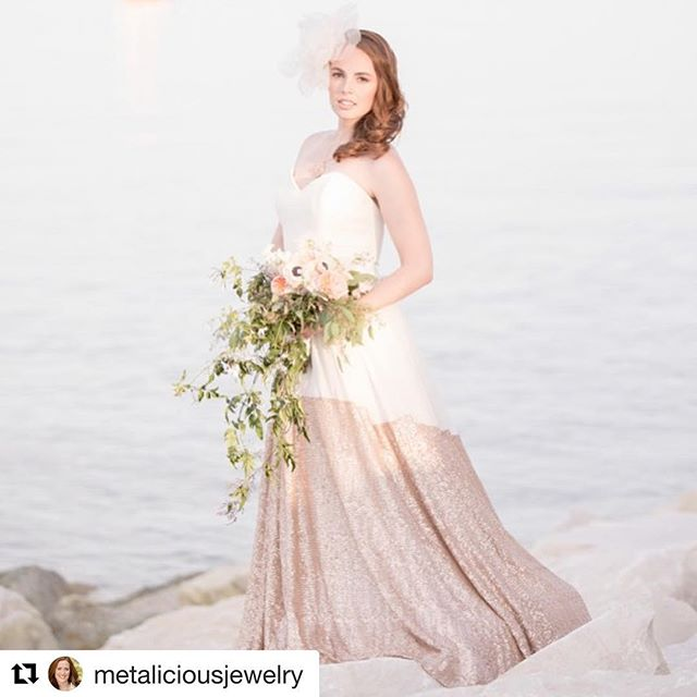 It was a pleasure to collaborate with these talented #womenpreneurs for a beautiful bridal shoot! ⠀ ⠀ #intimatewedding #beachwedding #radlovestories #belovedstories #epicloveepiclife #firstsandlasts #thedailywedding #uniquewedding #bridalromance⠀ ⠀ @floraisonchicago @trufellebridal @damecouture @alexandriaoderkirkphoto @elanadarrus @theyellowpeony @shopcriscara @mgb_photo @mssuemarie