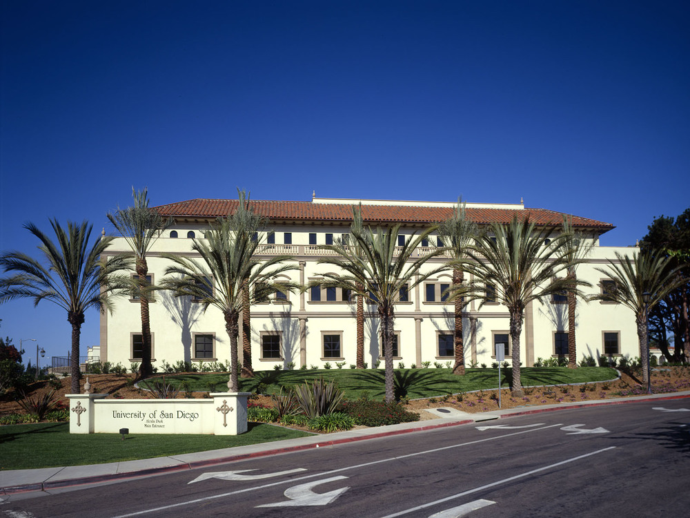 Degheri Alumni Center