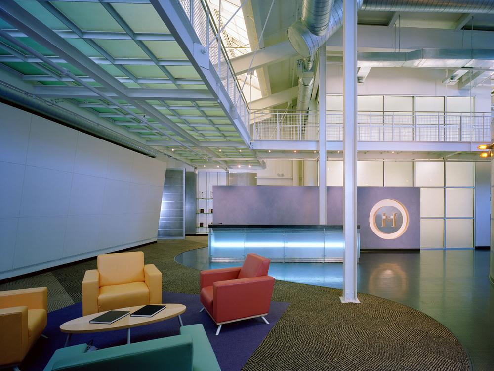 Modem-01-lobby.jpg