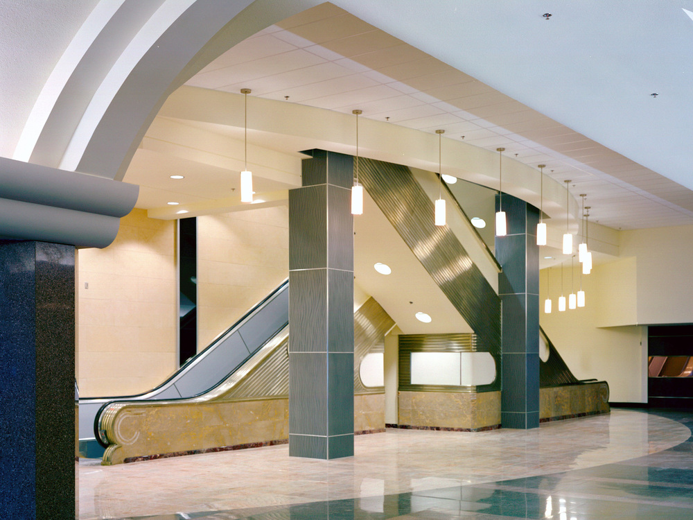 960Main-03-escalators.jpg
