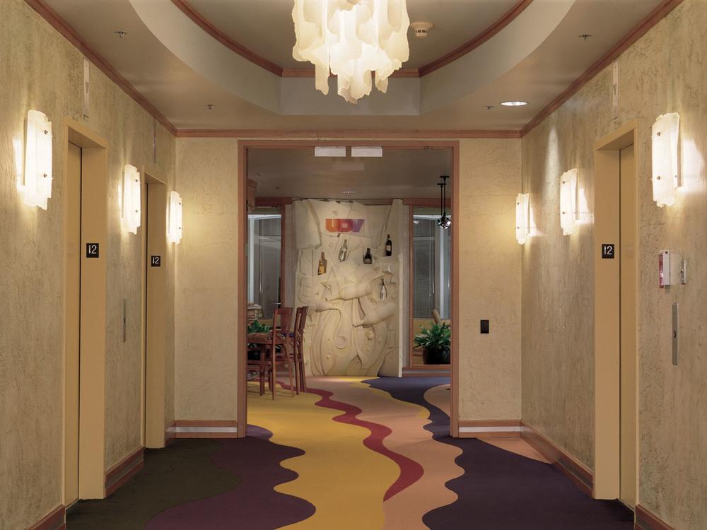 UDV-Dallas-01-elev lobby.jpg