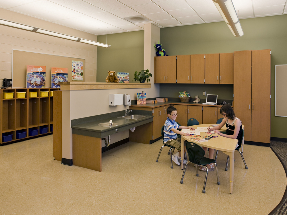 Kolnaski-11-classroom.jpg