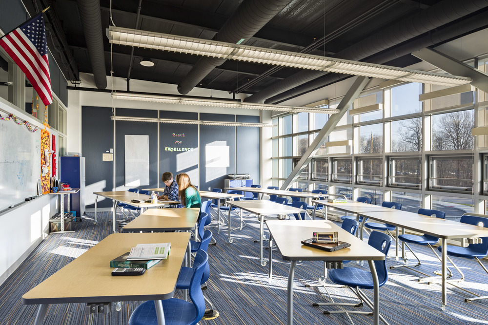 MarineMagnet_13_int classroom.jpg