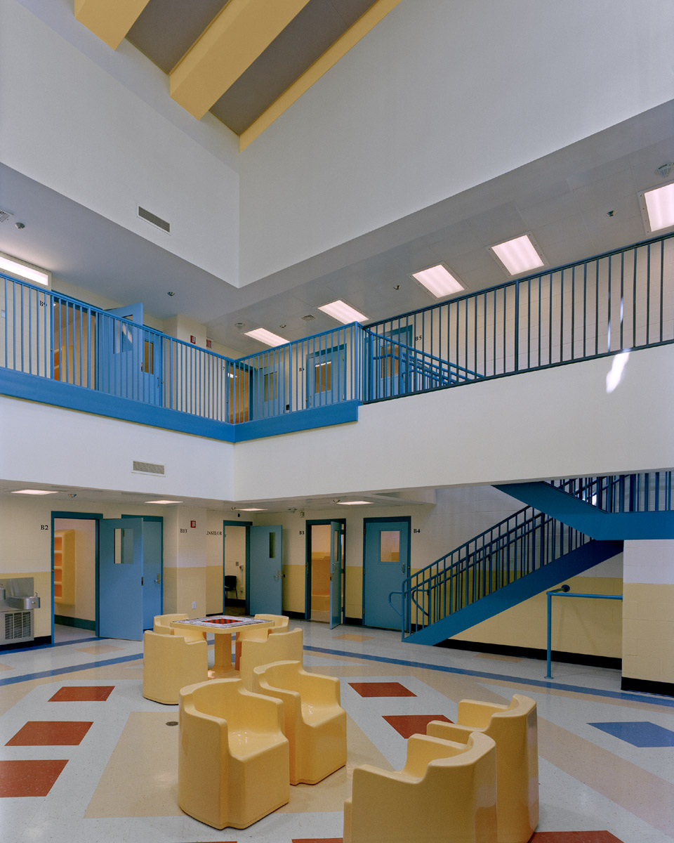 jdc-04-inmate lounge.jpg