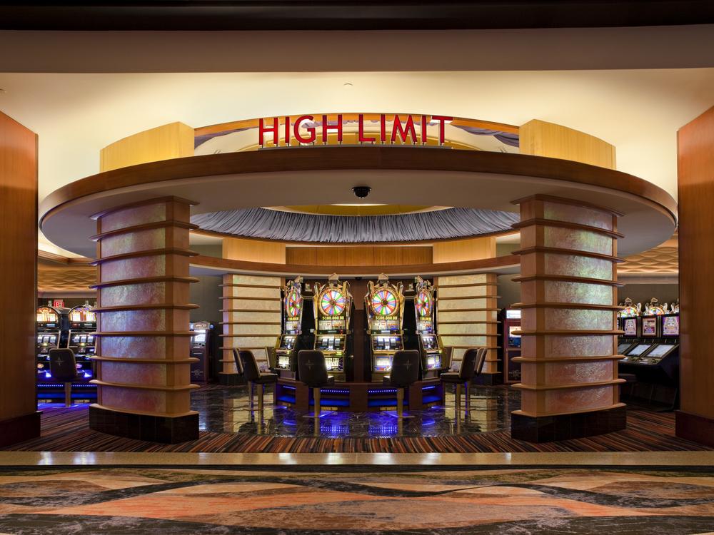 Mohegan casino pocono downs