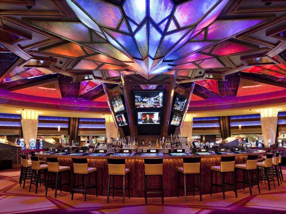 Mohegan sun hotel casino 12