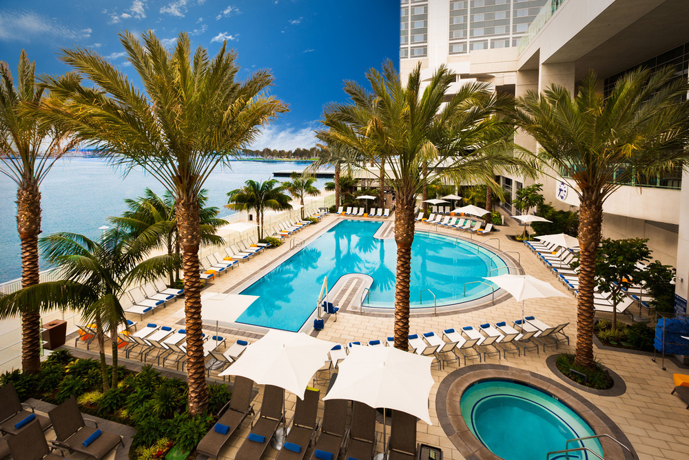 HiltonBayfront_01_pool deck.jpg