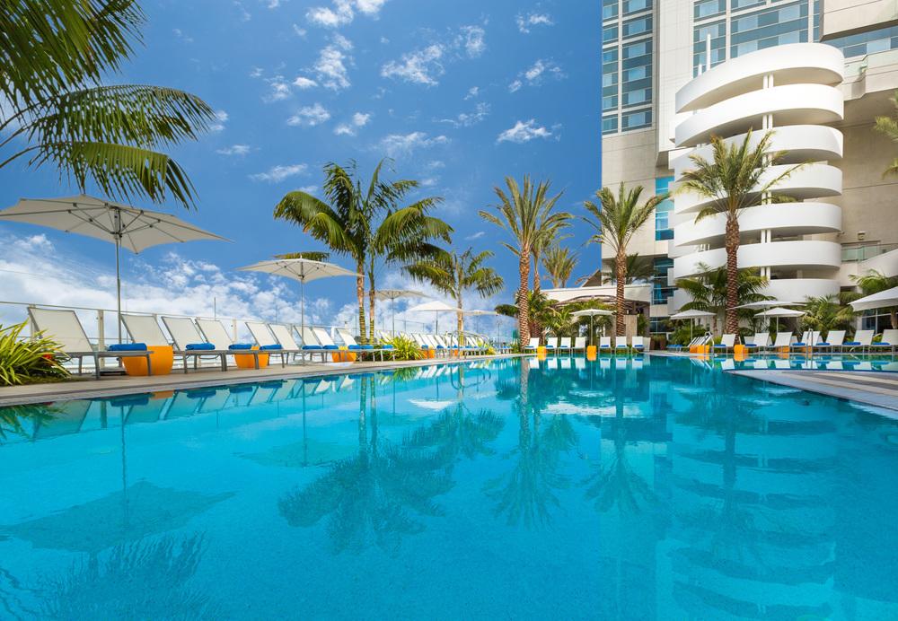 HiltonBayfront_02_pool.jpg