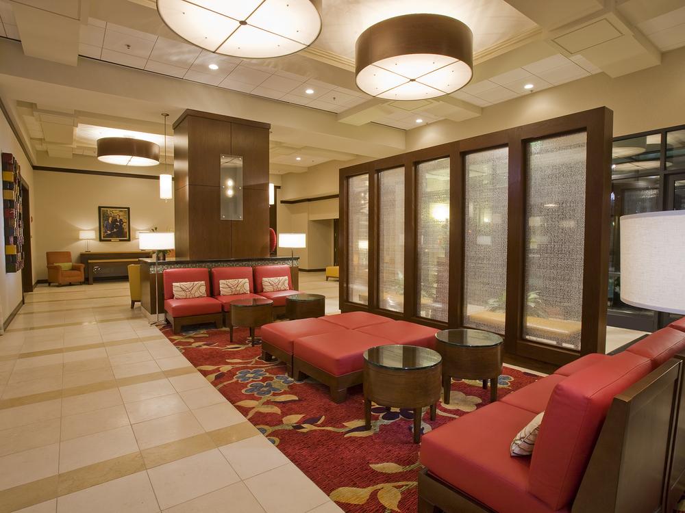 Marriott-02-lobby.jpg