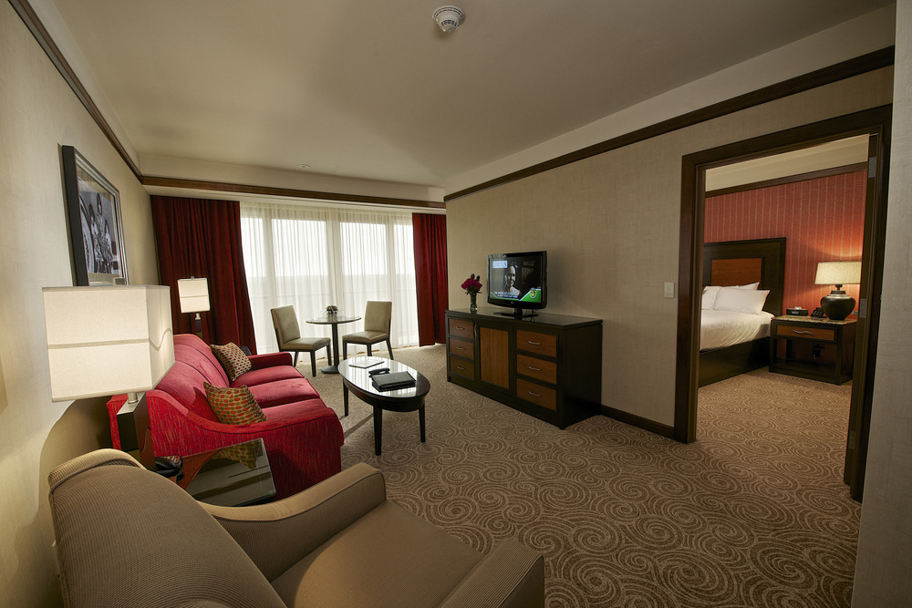 DownstreamCasinoPH2_18_guest suite.JPG
