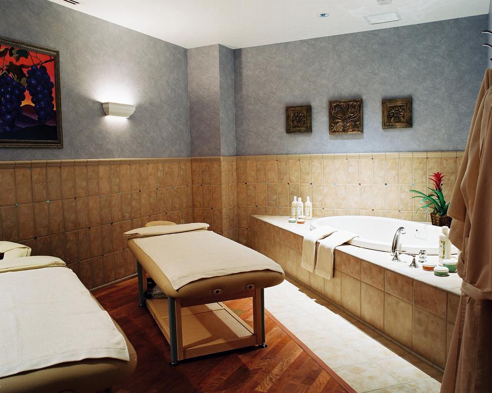 chumash_08_spa room B.jpg