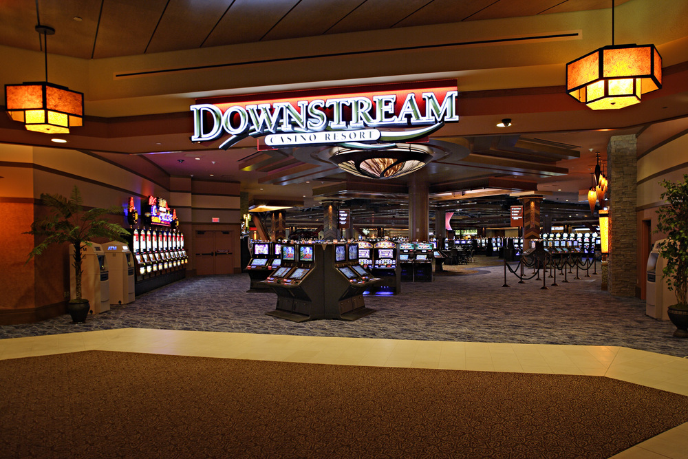 DownstreamCasino_04_Gaming.jpg