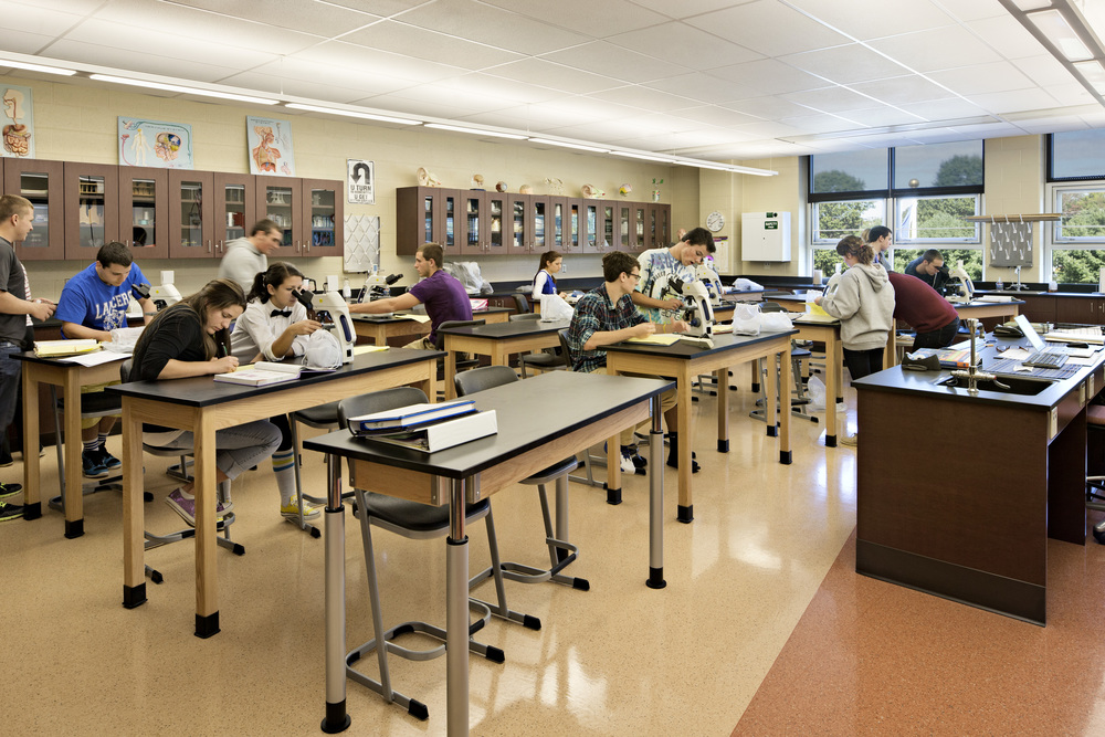WaterfordHigh_08_int science lab.JPG