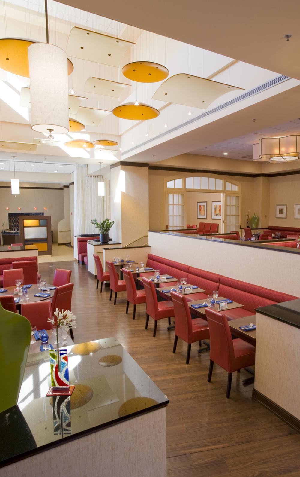 Marriott-07-dining_cropped.jpg