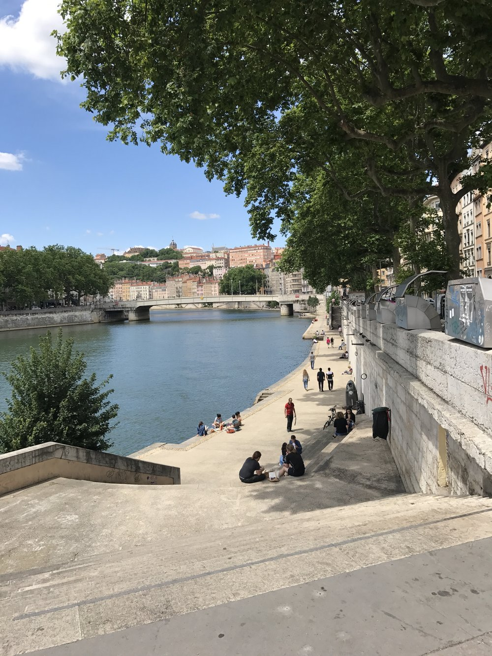 The quays next to the river Saône are an amazing place to hang out, sport, bicycle, walk. That's how you embrace water in your city!