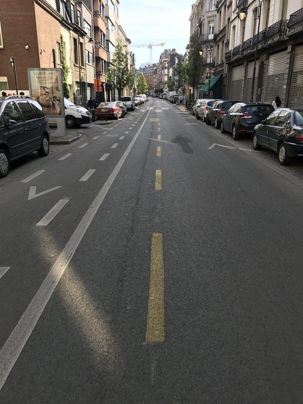 Anderlechtsestraat - Van vrijliggend fietspad naar *niets*.