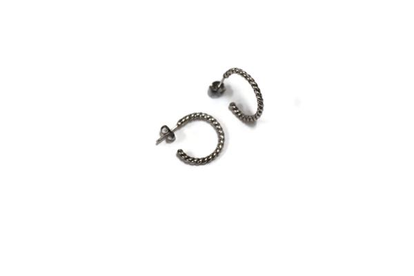 Cable hoop earrings