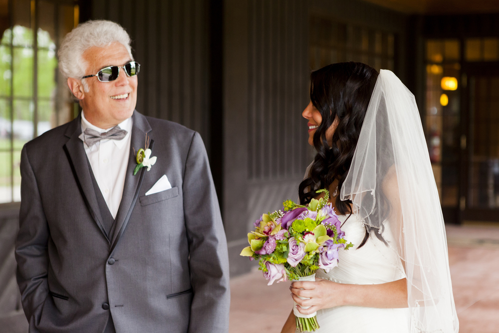bride and dad before ceremony