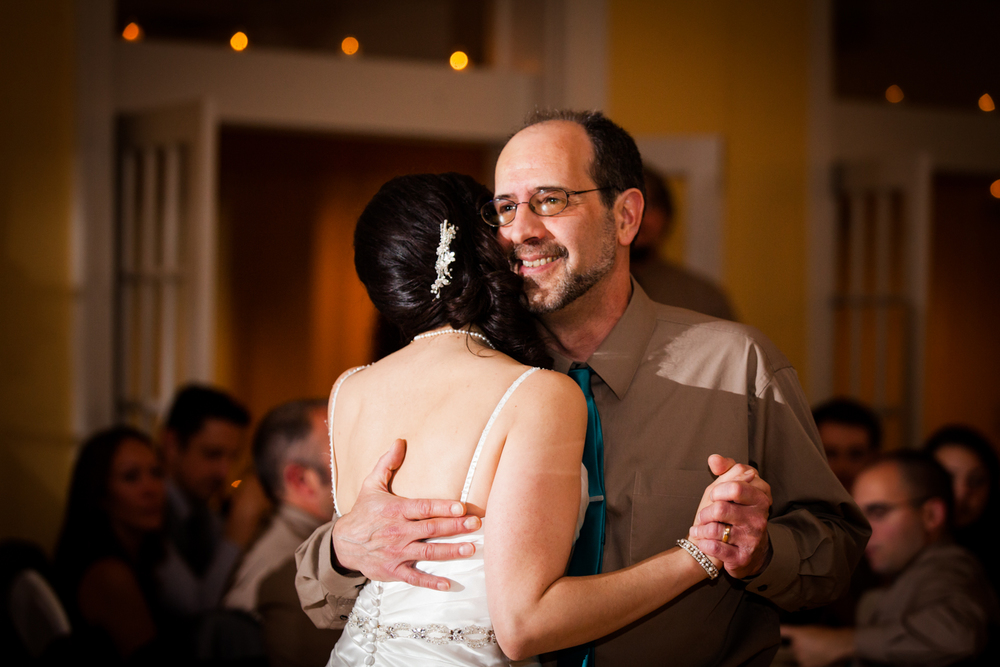 Father and daughter share a dance at Bellevue Country Club