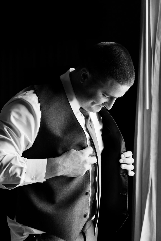 groom_dressing